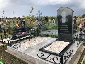 Украшение могилы в Красноярске_2