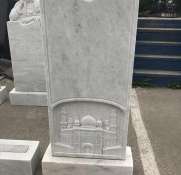Памятник из мрамора на могилу