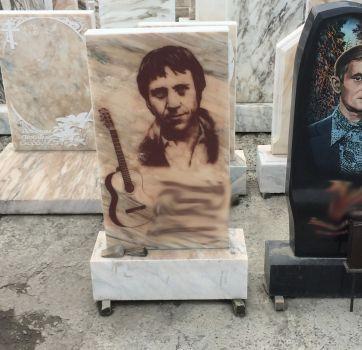 Портреты на мраморе_9