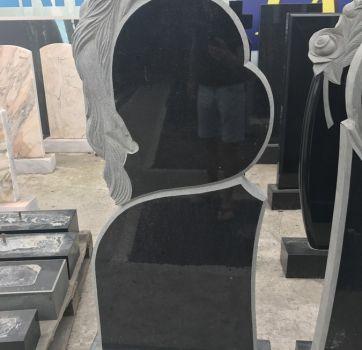 Памятник ручной работы