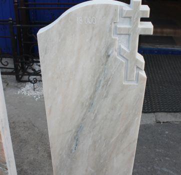 Памятники на кладбище_28