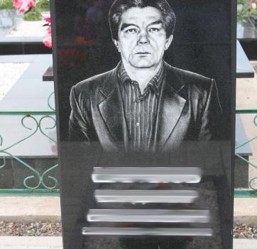 Черно-белая гравировка на памятниках_21